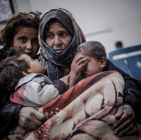 Familie im Flüchtlingslager
