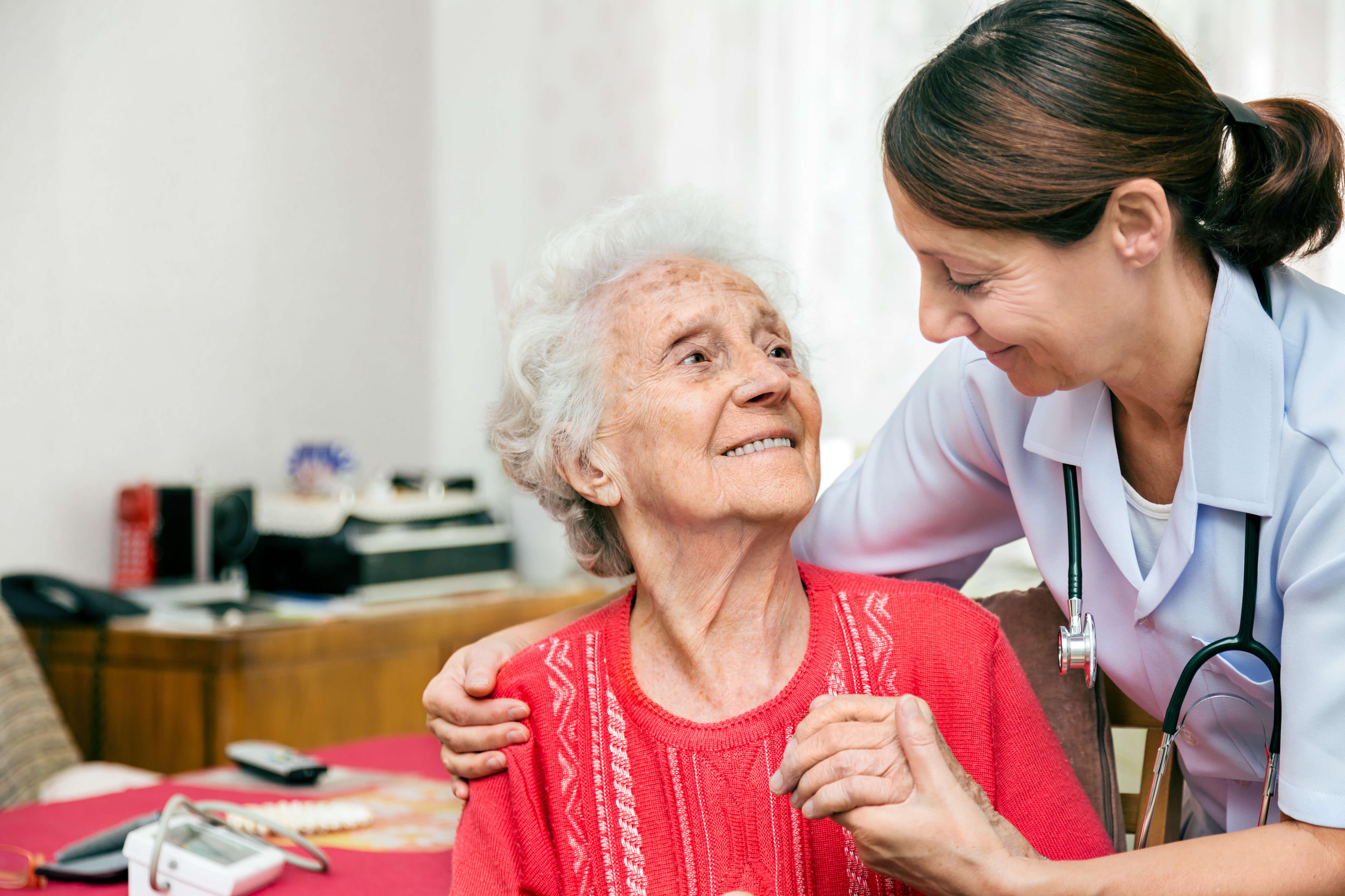 Im Rahmen der Pflege ist den Johannitern eine individuelle Betreuung wichtig.