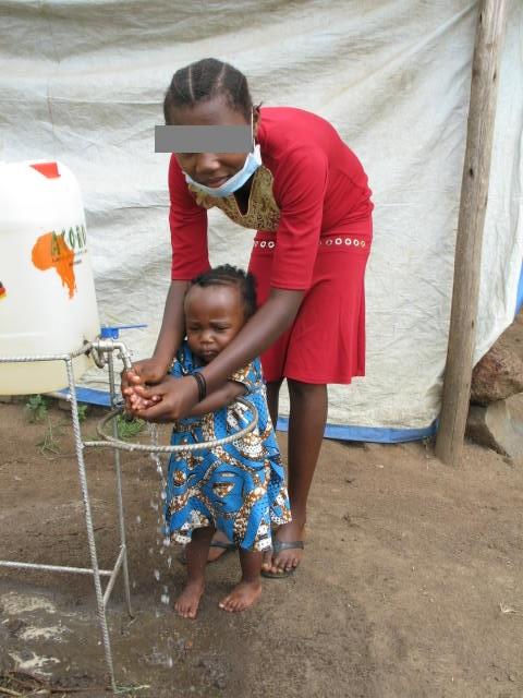 Margaret und ihre Tochter haben in Uganda Zuflucht gefunden.