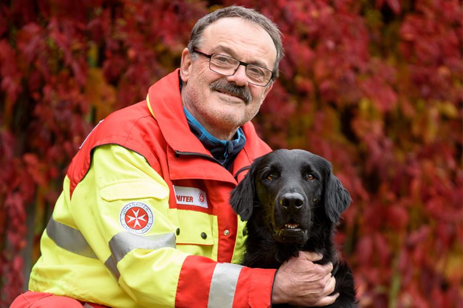 Helmut & Howie von der Johanniter-Rettungshundestaffel Baden-Karlsruhe
