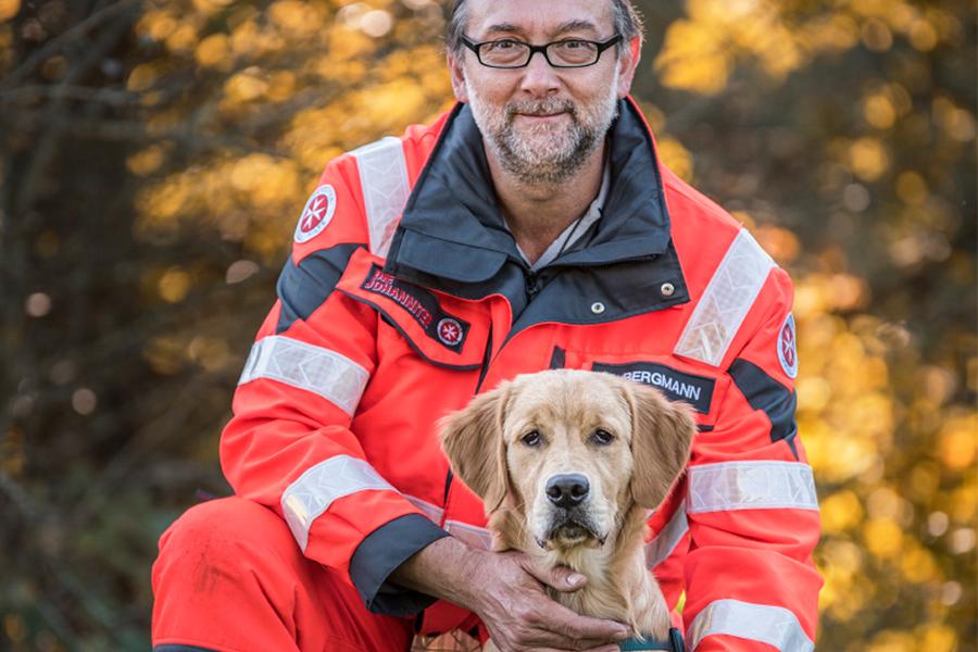 Jürgen & Tofu von der Johanniter-Rettungshundestaffel Baden-Karlsruhe