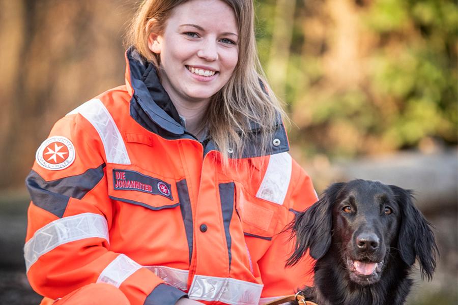 Melanie & Lotta von der Johanniter-Rettungshundestaffel Baden-Karlsruhe