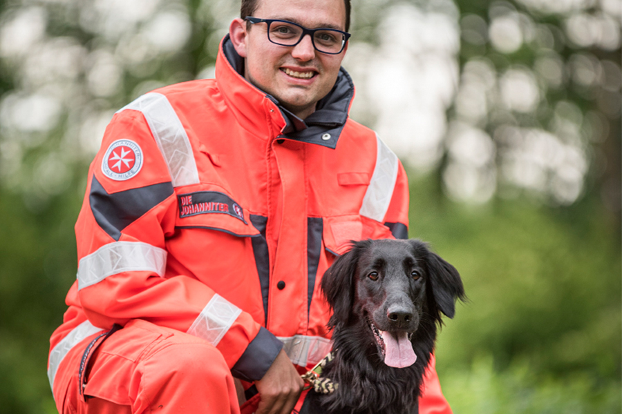 Sebastian & Frau Bounty von der Johanniter-Rettungshundestaffel Baden-Karlsruhe