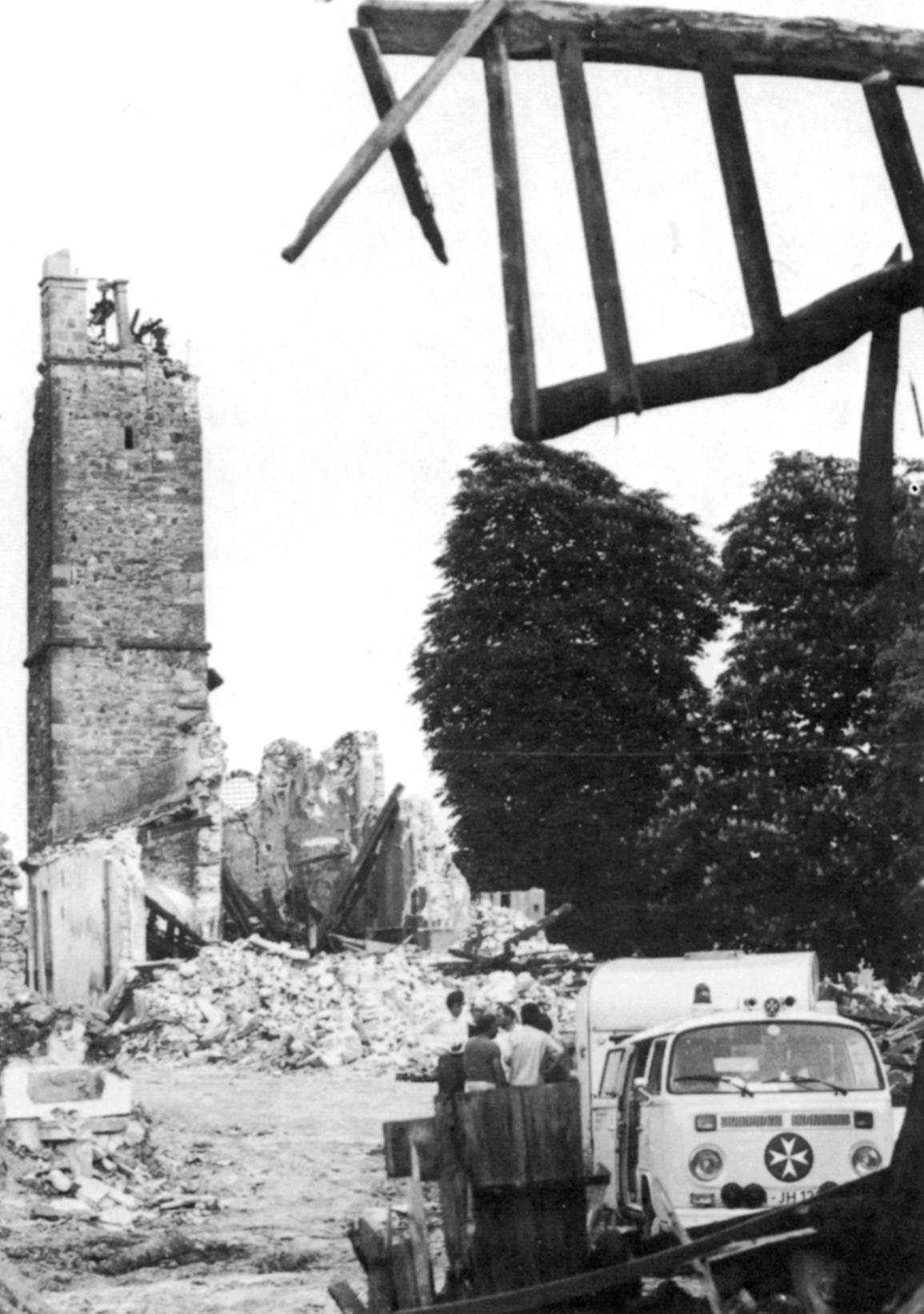 Einsatz bei einem Erdbeben im Jahr 1974.
