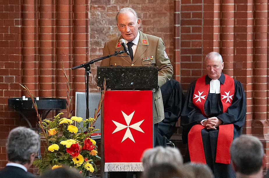 Der damalige Präsident der Johanniter-Unfall-Hilfe Hans-Peter v. Kirchbach bei den Feierlichkeiten zum 60-jährigen Jubiläum der Johanniter-Unfall-Hilfe in der Heilig-Kreuz-Kirche in Berlin.