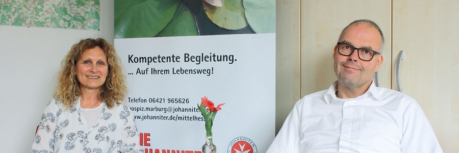 Gertrud Rücker, Leitung Trauerberatung mit Regionalvorstand Marco Schulte-Lünzum