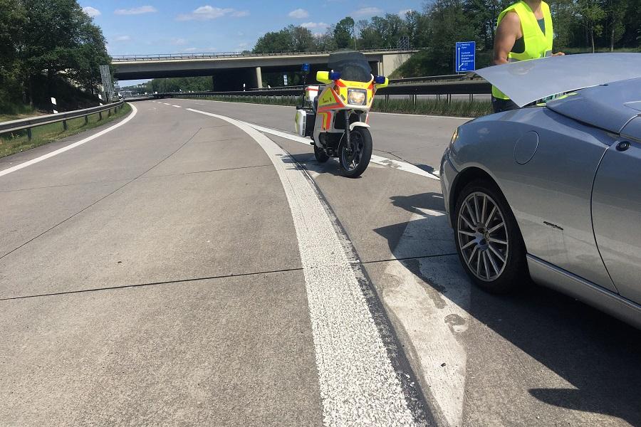 Die Stauhilfe der Johanniter in Bremen/Verden im Einsatz auf der Autobahn.