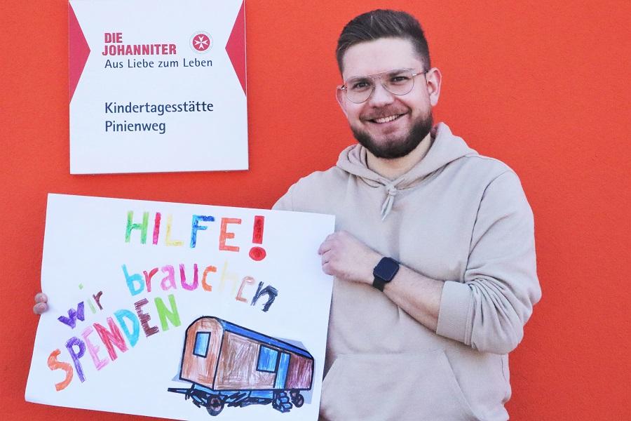 Krippenerzieher Niklas Gude freut sich auf Unterstützung für das Bauwagenprojekt.