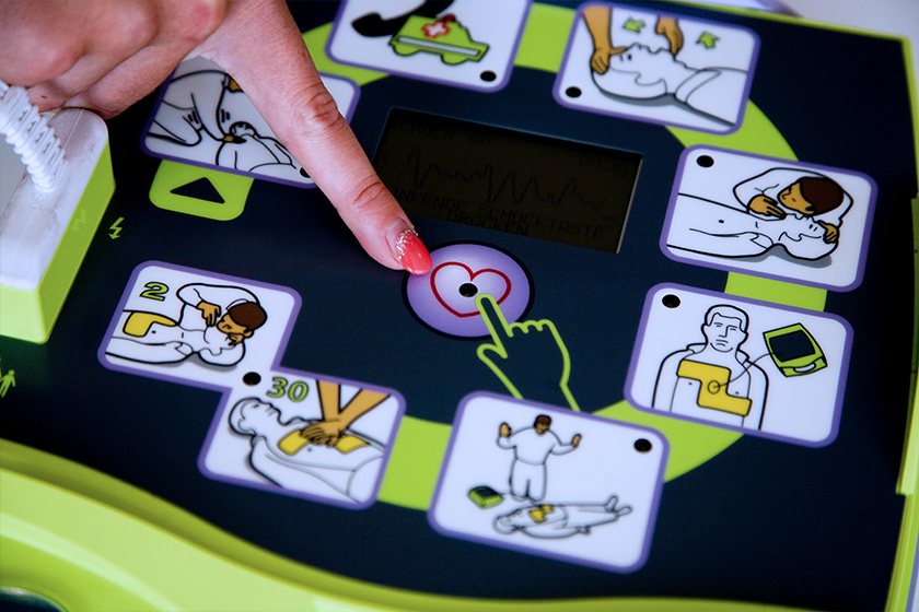 AED-Gerät (automatisierte externe Defibrillation)