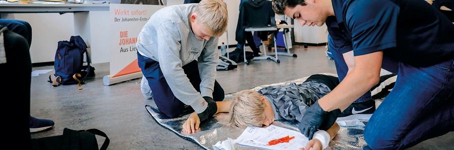 In einer Schulung am Pascal-Gymnasium lernen die Jugendlichen Verantwortung zu übernehmen.
