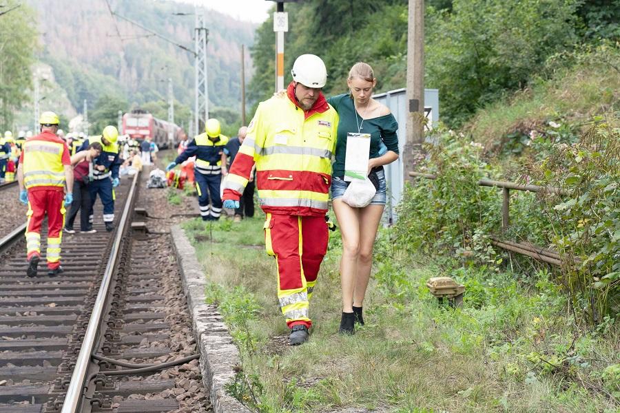 Viele Helferinnen und Helfer engagieren sich ehrenamtlich im Bevölkerungsschutz bei den Johannitern in Dresden.