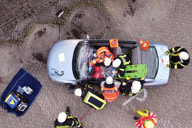 Eine Rettung aus einem Fahrzeug