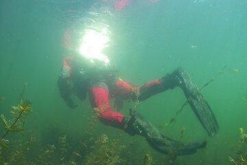 Rettungstaucher im Unterwassereinsatz