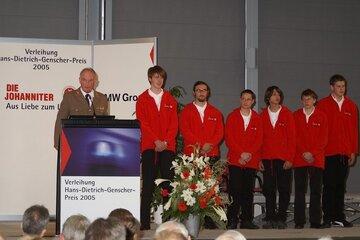 Die Preisträger 2005 werden mit dem Johanniter-Juniorenpreis ausgezeichnet.