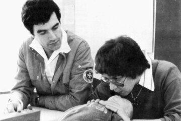 Kurs zur Ersten Hilfe am Kind im Jahr 1987.