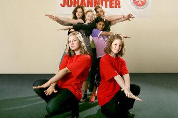 2008 - Das Soziale Lernstudio der Johanniter in Wittmund bietet soziale Teilhabe für Kinder und Jugendliche aus sozial schwächeren Familien. Es wird zusammen musiziert und getanzt.