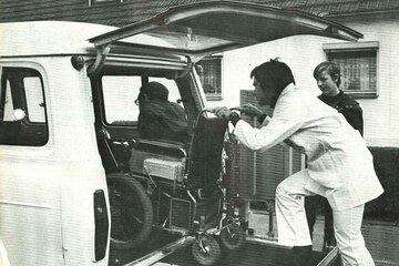 Der Behindertenfahrdienst der Johanniter im Jahr 1976.