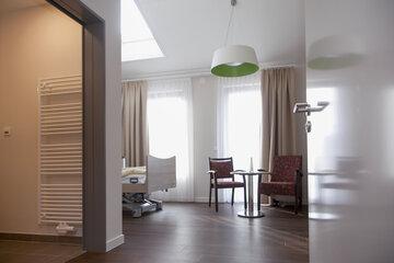 Freundliches Gästezimmer mit Übernachtungsmöglichkeit für Freunde