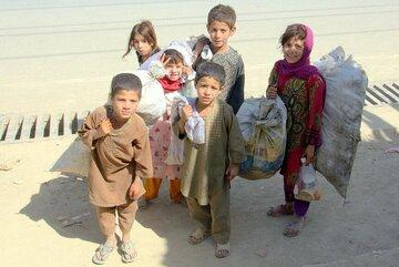 Kinder wie hier in der Siedlung Charahi Qambar leben von der Arbeit auf der Straße.