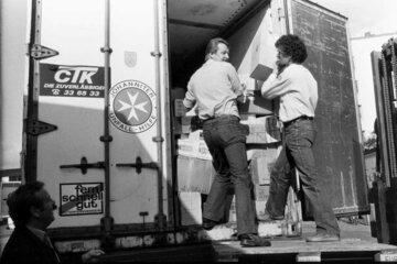 Ein Hilfsgütertransport der Johanniter-Unfall-Hilfe im Jahr 1982.