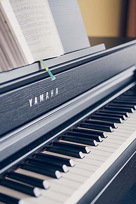 Nahaufnahme eines Klaviers