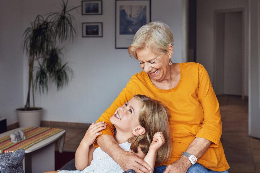 Die Hausnotrufdienste der Johanniter geben Sicherheit und Unbeschwertheit im Alter
