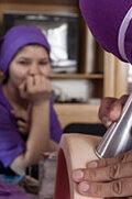 Die Ausbildung von Hebammen leistet einen Beitrag zur Verringerung der Müttersterblichkeit im Land.
