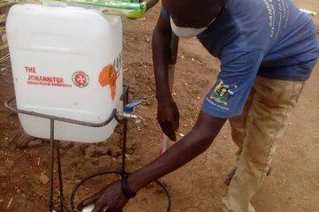 Regelmäßiges Händewaschen soll die Ausbreitung von Corona in Uganda vermeiden.