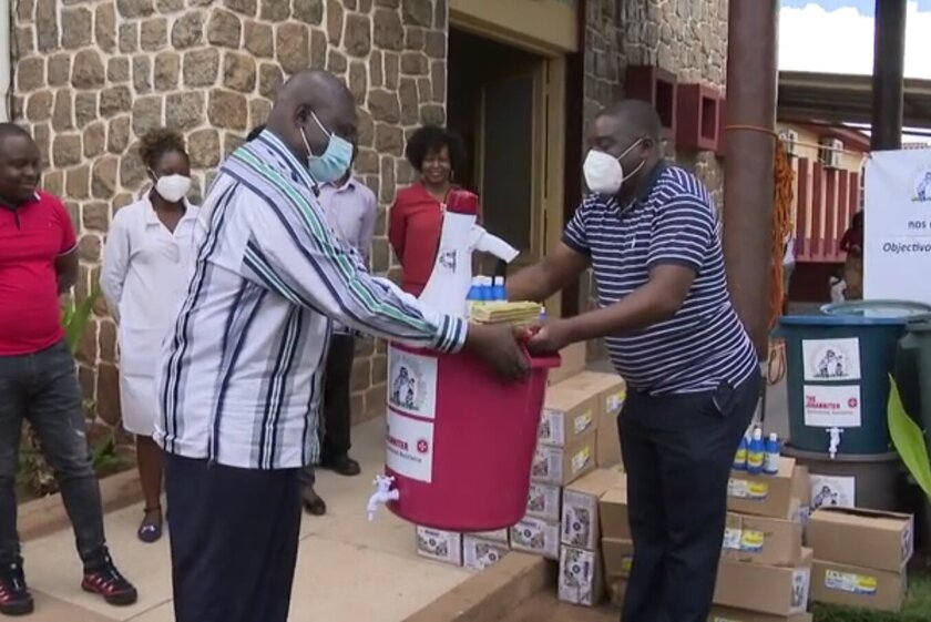 Übergabe der Hilfsmittel an die Gesundheitsbehörde der Provinz Manica