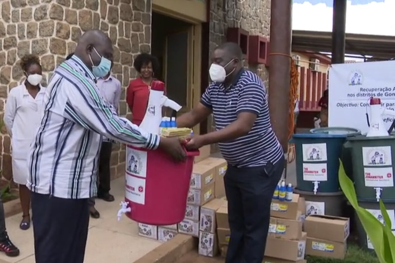 Transfer of the aids to the health authority of the province of Manica