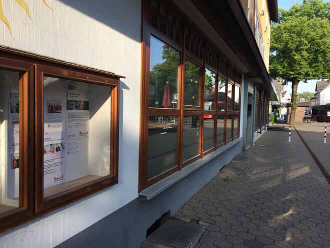 Außenansicht des Cafe Juno