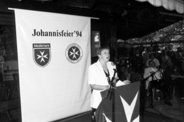 Die spätere Bundeskanzlerin Angela Merkel bei der Johannisfeier im Jahr 1994.