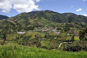 Vom tropischen Regenwald im Amazonasgebiet über die Gebirgswelt der Anden bis hin zur Pazifikküste ist Ecuador eines der artenreichsten Länder der Erde.
