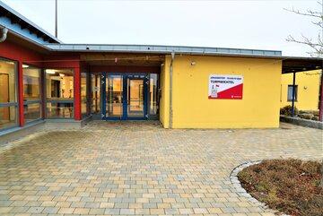 """Der Eingang der Johanniter-Kinderkrippe """"Turmwichtel"""" Bad Abbach"""