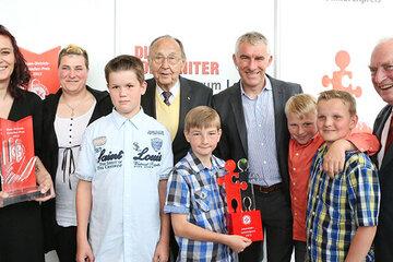 Träger und Verleiher des Hans-Dietrich-Genscher und des Johanniter-Juniorenpreises im Jahr 2013.