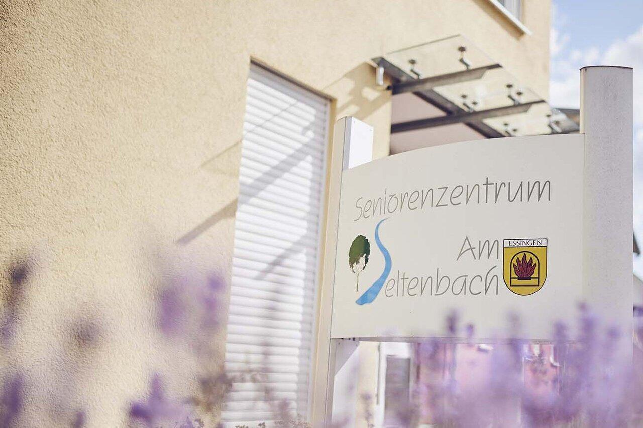 Schild des Johanniter-Pflegewohnhauses am Seltenbach