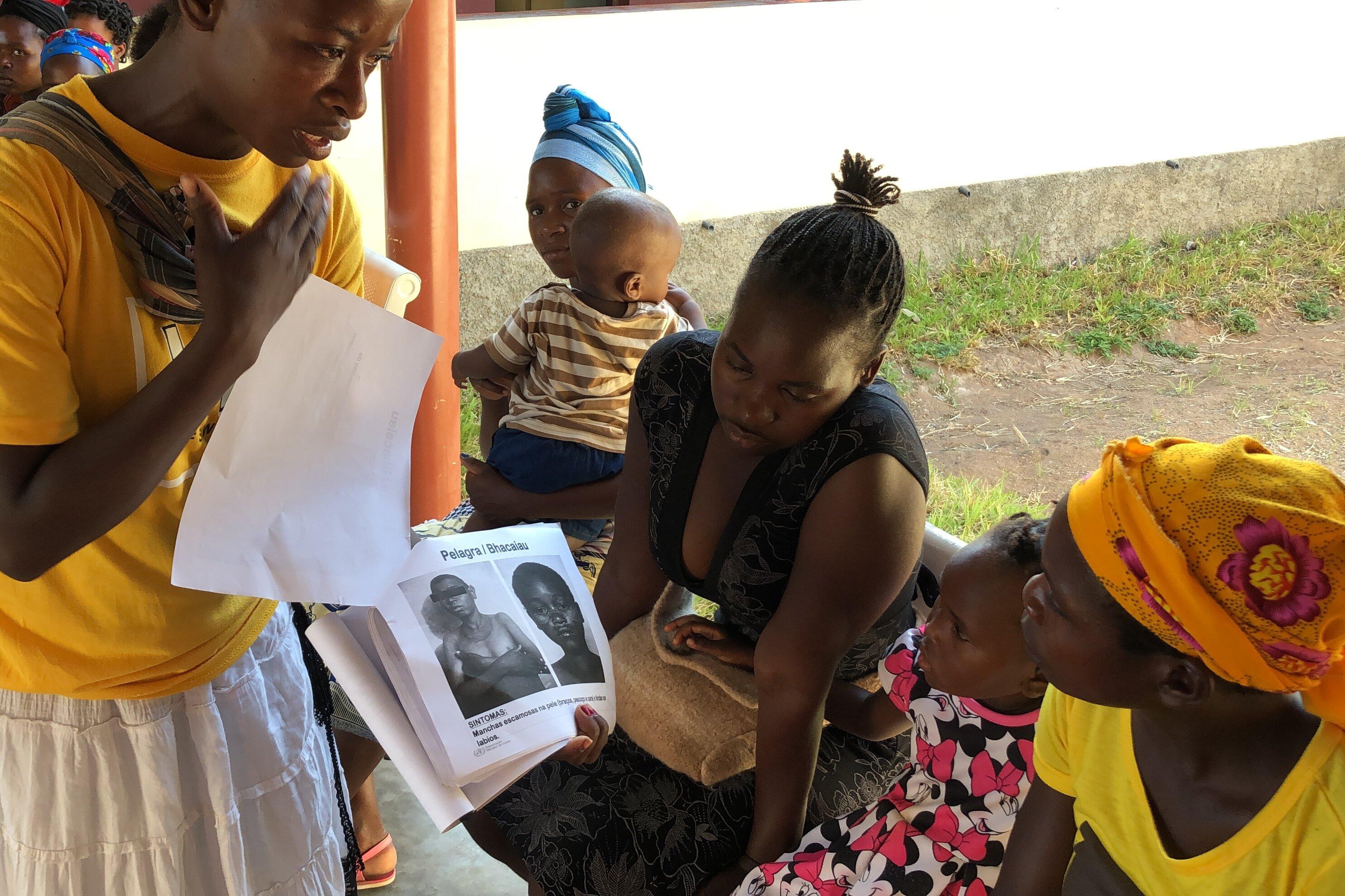 Health activists inform mothers about Pellgra