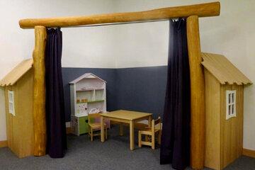 Spielecke oder auch Bühne zum Spielen und Aufführen von kleinen Theaterstücken.
