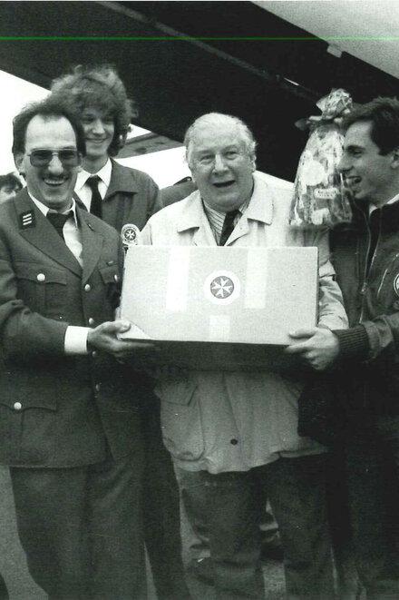1991 engagiert sich Schauspieler Sir Peter Ustinov für die Johanniter-Unfall-Hilfe.