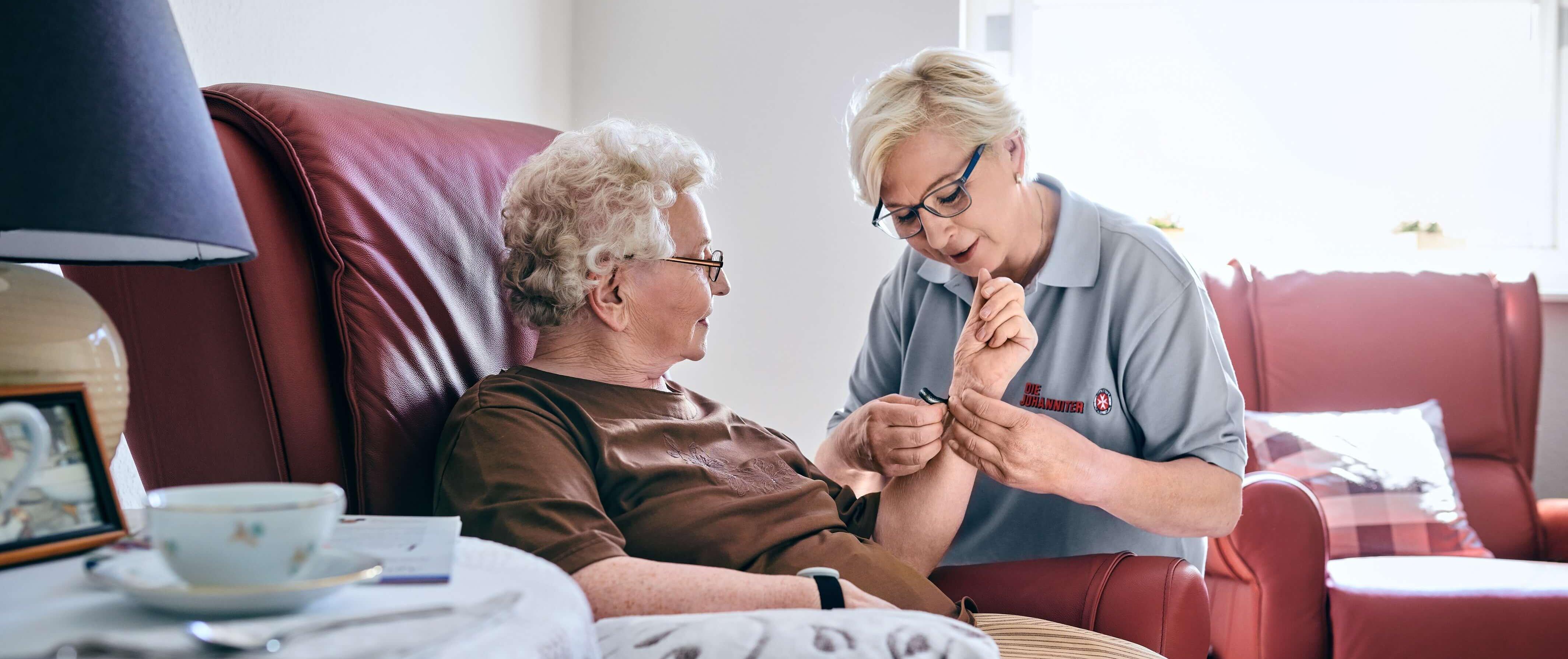 Unsere professionellen Pflegekräfte helfen im Alltag.