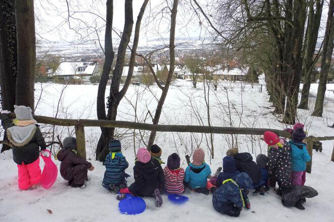 Kita-Kinder genießen den tollen Ausblick über die Stadt Northeim