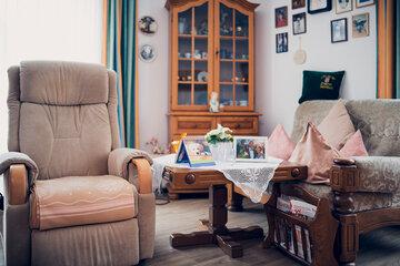 Einblick in einen Aufenthaltsraum im Johannier-Stift in Elze