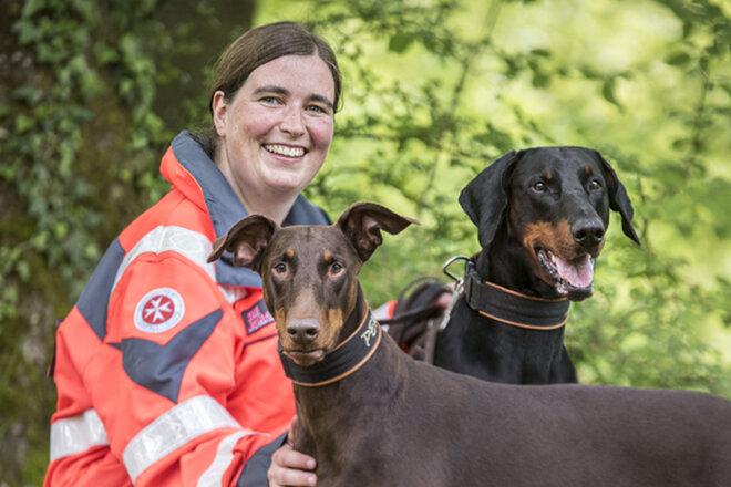 Susann Kraft von der Johanniter-Rettungshundestaffel Baden-Karlsruhe