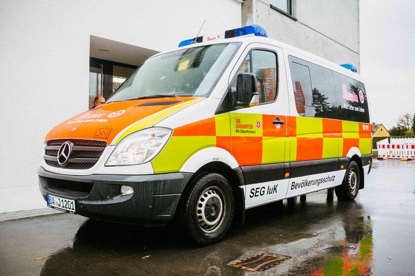 Fahrzeug der Schnelleinsatzgruppe Information und Kommunikation (SEG IuK) der Johanniter-Unfall-Hilfe Regionalverband Oberfranken
