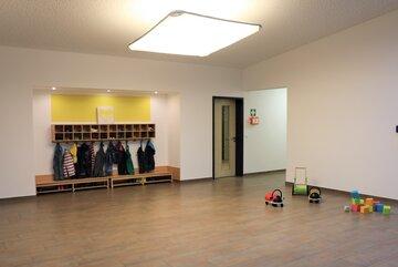 """Eingangsbereich der Johanniter-Kinderkrippe """"Turmwichtel"""" Bad Abbach"""