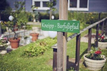 Barfußpfad im Garten des Johanniter-Hauses Dietrichsroh